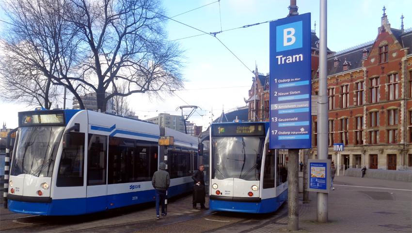 Tram arret gare Amsterdam