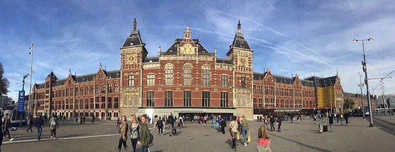 Treno dall'aeroporto di Amsterdam alla stazione centrale di Schiphol
